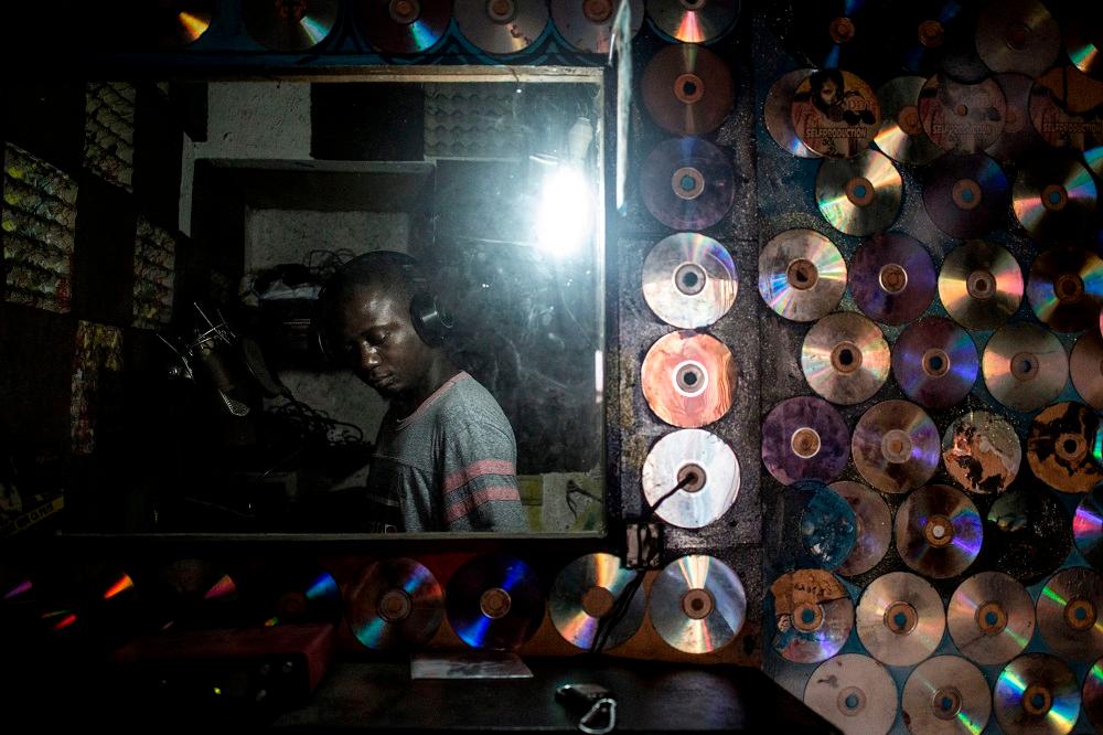 Kollaps 31.03.19 - African Electronics